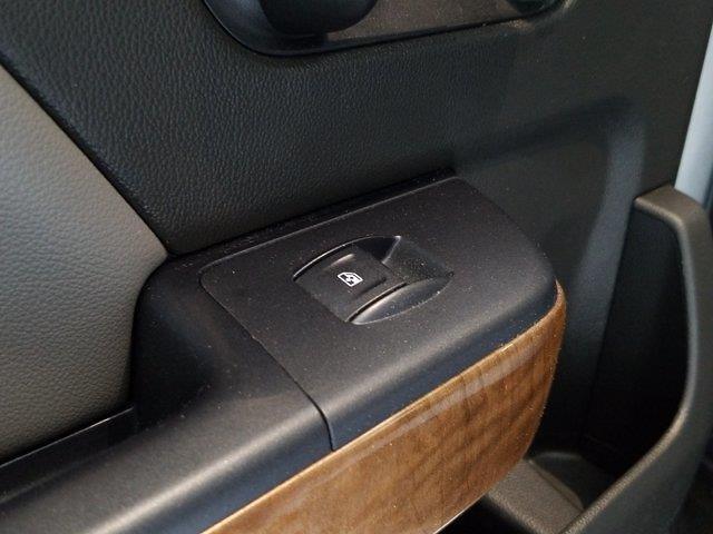 2015 Chevrolet Silverado 1500 Crew Cab 4x4, Pickup #M00846A - photo 35