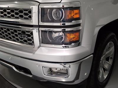 2015 Chevrolet Silverado 1500 Crew Cab 4x4, Pickup #M00846A - photo 10