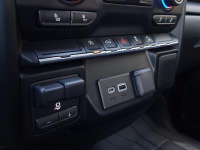 2019 Chevrolet Silverado 1500 Crew Cab 4x4, Pickup #M00897A - photo 29