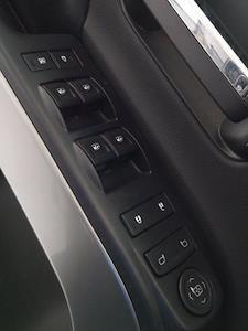 2016 Chevrolet Silverado 1500 Crew Cab 4x4, Pickup #M00899B - photo 11