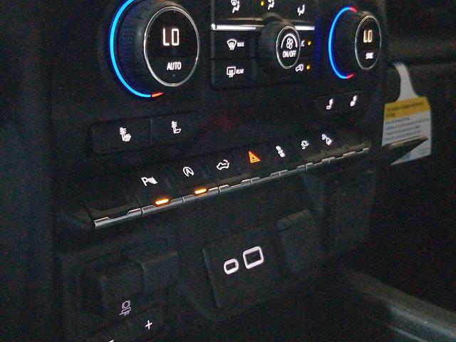 2019 Chevrolet Silverado 1500 Crew Cab 4x4, Pickup #M00932A - photo 32