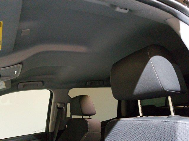 2018 Chevrolet Silverado 1500 Crew Cab 4x4, Pickup #M00965A - photo 16