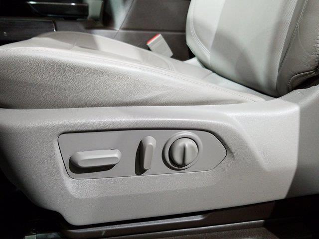 2020 Chevrolet Silverado 1500 Crew Cab 4x4, Pickup #M01036A - photo 17