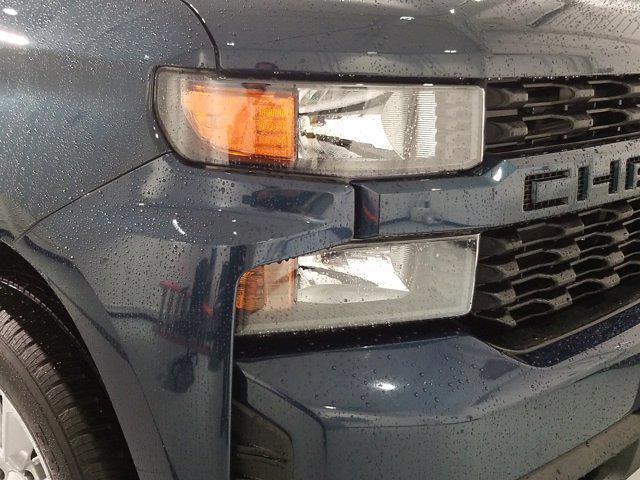 2020 Chevrolet Silverado 1500 Crew Cab 4x4, Pickup #M01056A - photo 8