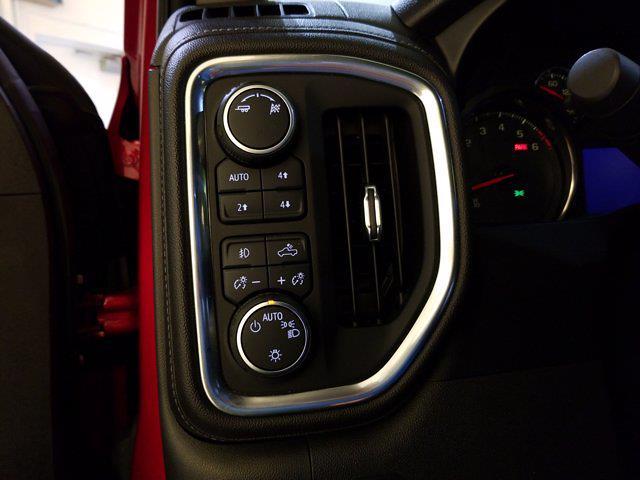 2019 Chevrolet Silverado 1500 Crew Cab 4x4, Pickup #M01148A - photo 17