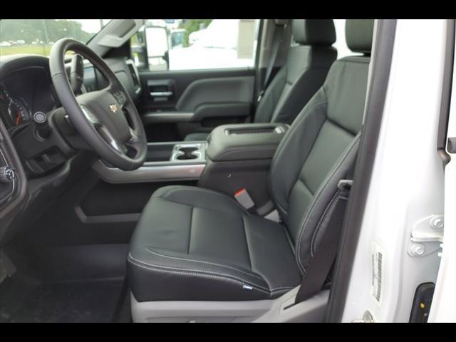 2019 Chevrolet Silverado 6500 Crew Cab DRW RWD, CM Truck Beds ER Model Hauler Body #8106 - photo 5