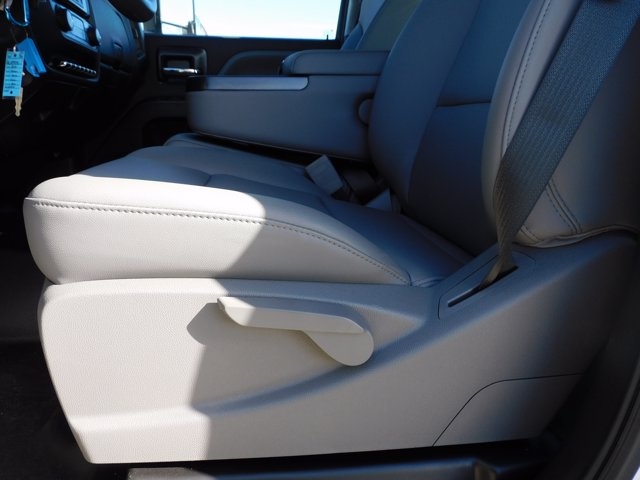 2020 Chevrolet Silverado 6500 Crew Cab DRW 4x4, CM Truck Beds Platform Body #155521 - photo 20