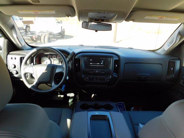 2020 Chevrolet Silverado 6500 Crew Cab DRW 4x4, CM Truck Beds Platform Body #155521 - photo 22