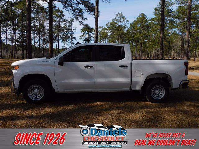 2021 Chevrolet Silverado 1500 Crew Cab 4x2, Pickup #214737 - photo 1