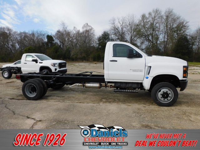 2020 Chevrolet Silverado 5500 Regular Cab DRW 4x4, Cab Chassis #620193 - photo 1
