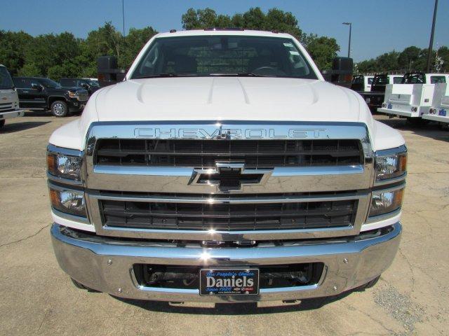 2019 Chevrolet Silverado 5500 Regular Cab DRW 4x2, CM Truck Beds TM Deluxe Platform Body #863602 - photo 3