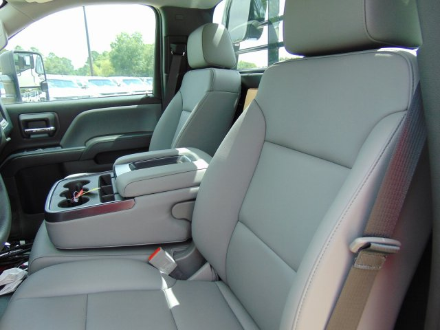 2019 Chevrolet Silverado 5500 Regular Cab DRW 4x2, CM Truck Beds TM Deluxe Platform Body #863602 - photo 6