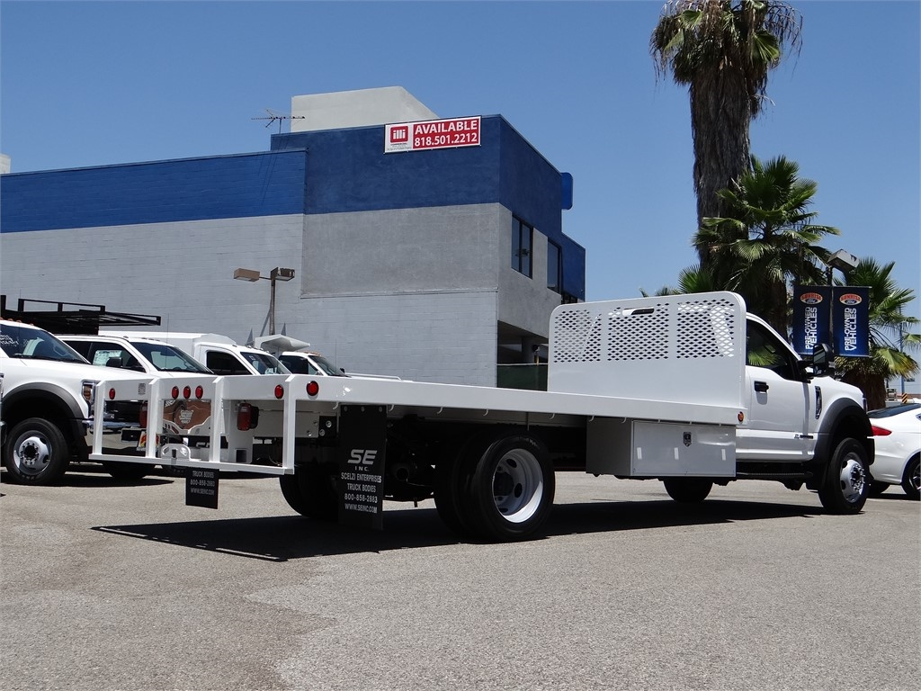 2020 Ford F-550 Regular Cab DRW 4x2, Scelzi Platform Body #G01596T - photo 2