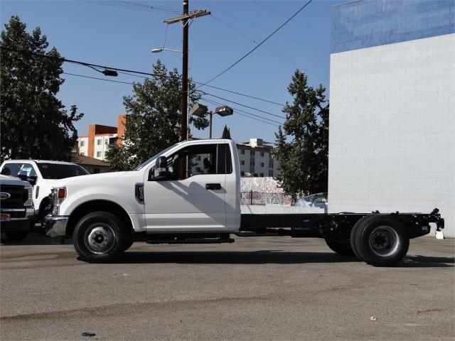 2020 Ford F-350 Regular Cab DRW 4x2, Cab Chassis #G02312 - photo 3