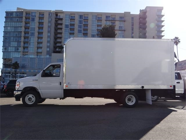 2021 Ford E-450 DRW 4x2, Marathon Cutaway Van #g10088 - photo 1