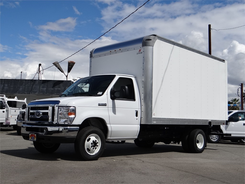 2019 Ford E-450 4x2, Supreme Dry Freight #M93063 - photo 1