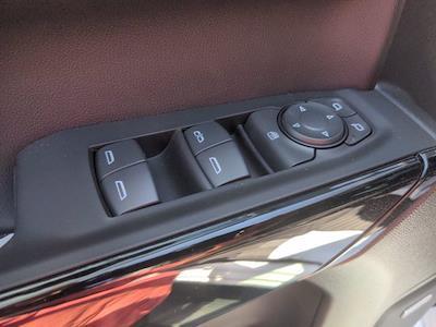 2021 Chevrolet Silverado 1500 Crew Cab 4x4, Pickup #M21381 - photo 14