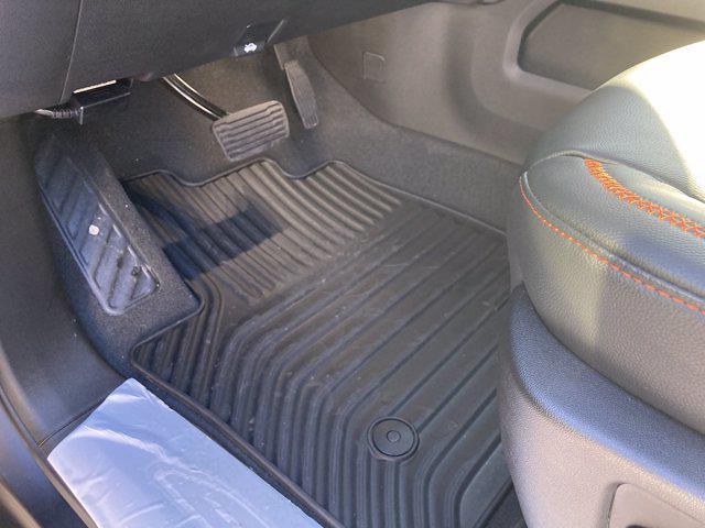 2021 Chevrolet Silverado 1500 Crew Cab 4x4, Pickup #M21383 - photo 15