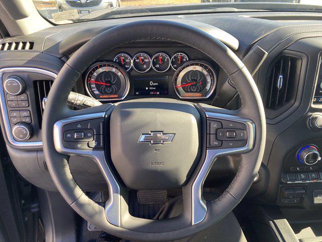 2021 Chevrolet Silverado 1500 Crew Cab 4x4, Pickup #M21383 - photo 18