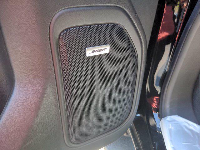 2021 Chevrolet Silverado 1500 Crew Cab 4x4, Pickup #M21386 - photo 17