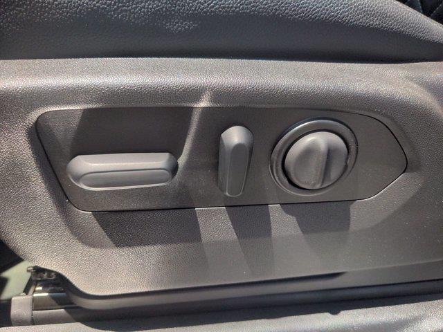 2021 Chevrolet Silverado 1500 Crew Cab 4x4, Pickup #M21392 - photo 19