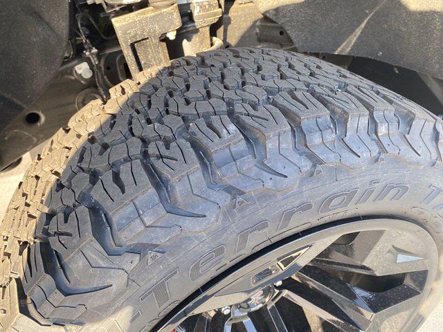 2021 Chevrolet Silverado 1500 Crew Cab 4x4, Pickup #M21415 - photo 11