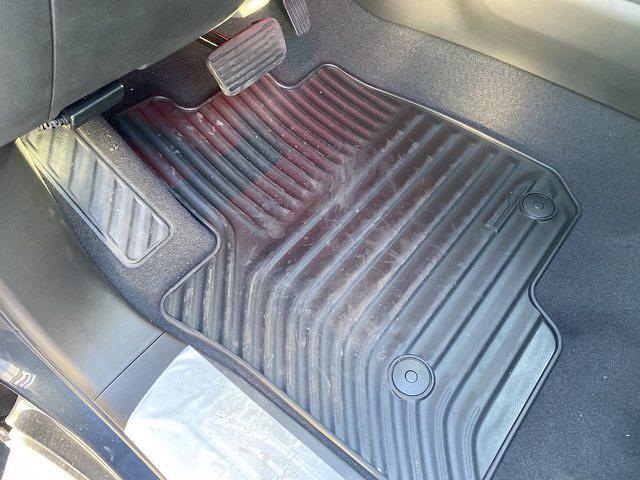 2021 Chevrolet Silverado 1500 Crew Cab 4x4, Pickup #M21415 - photo 15
