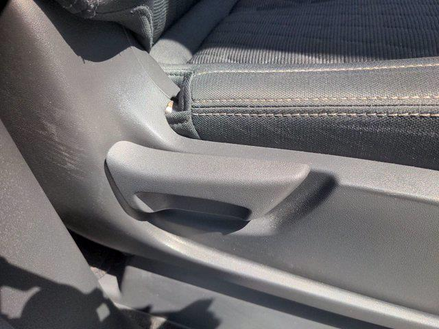 2018 Nissan Titan Crew Cab 4x4, Pickup #M21572A - photo 42