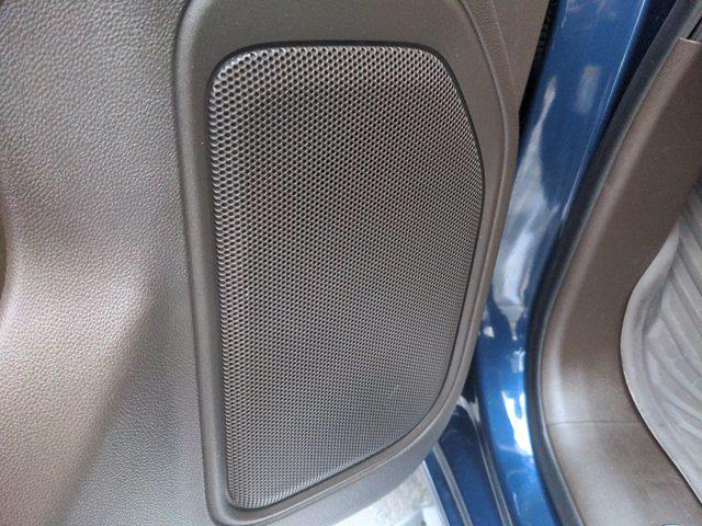 2020 Chevrolet Silverado 1500 Crew Cab 4x4, Pickup #M21675A - photo 15