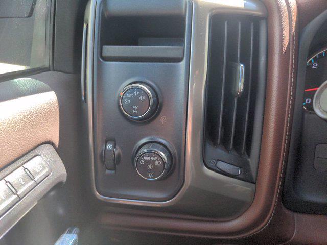 2015 Chevrolet Silverado 1500 Crew Cab 4x4, Pickup #M21711B - photo 18