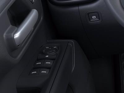 2021 Chevrolet Silverado 1500 Crew Cab 4x4, Pickup #M21738 - photo 3