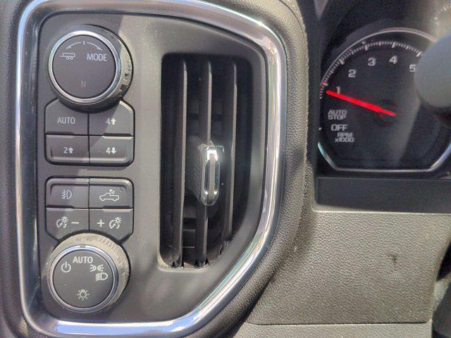 2020 Chevrolet Silverado 1500 Crew Cab 4x4, Pickup #M21871A - photo 17