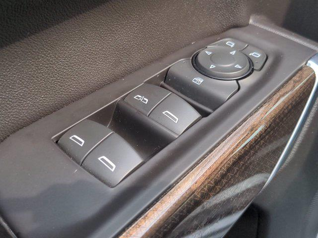 2019 Chevrolet Silverado 1500 Crew Cab 4x4, Pickup #M21926A - photo 14