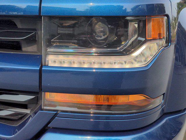2017 Chevrolet Silverado 1500 Crew Cab 4x4, Pickup #PS00092 - photo 9