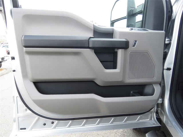 2019 F-550 Regular Cab DRW 4x4,  Cab Chassis #19F0071 - photo 10