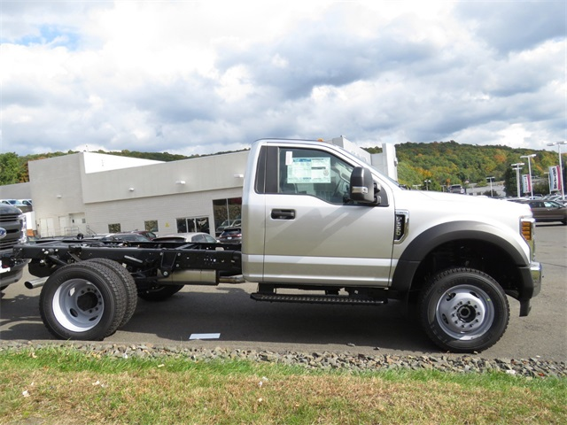 2019 F-550 Regular Cab DRW 4x4,  Cab Chassis #19F0071 - photo 3