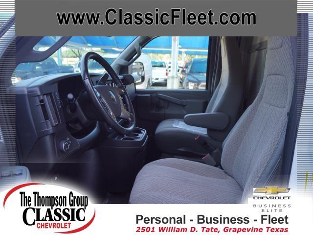 2019 Chevrolet Express 3500 4x2, Supreme Cutaway Van #K1168768 - photo 1