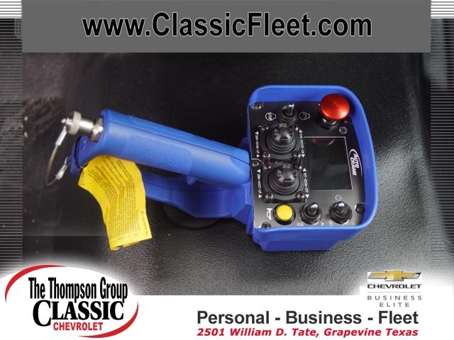 2019 Chevrolet Silverado 6500 Regular Cab DRW 4x4, Auto Crane Titan Mechanics Body #KH805143 - photo 12