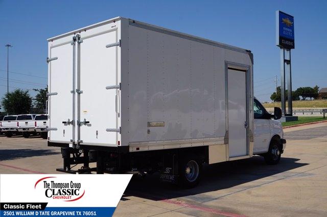 2019 Chevrolet Express 4500 DRW 4x2, Supreme Cutaway Van #KN014728 - photo 1