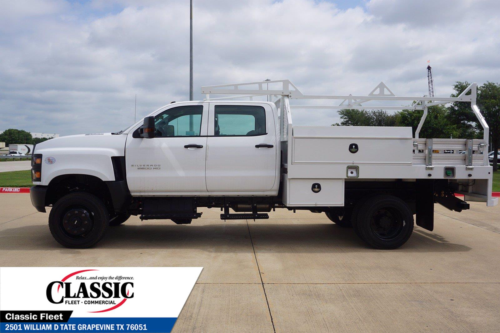 2020 Chevrolet Silverado 5500 Crew Cab DRW 4x4, RhinoPro Truck Outfitters Contractor Body #LH866279 - photo 6