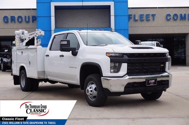 2021 Chevrolet Silverado 3500 Crew Cab AWD, Royal Utility Crane Body Mechanics Body #MF130575 - photo 3