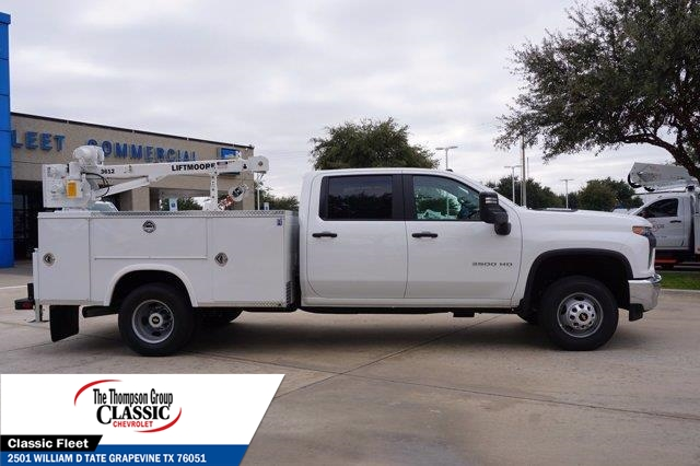 2021 Chevrolet Silverado 3500 Crew Cab AWD, Royal Utility Crane Body Mechanics Body #MF130575 - photo 9