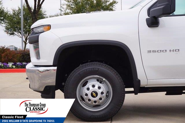 2021 Chevrolet Silverado 3500 Crew Cab AWD, Royal Utility Crane Body Mechanics Body #MF130575 - photo 10