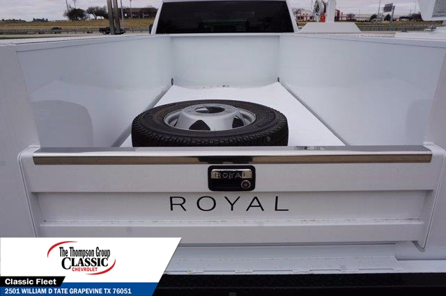 2021 Chevrolet Silverado 3500 Crew Cab AWD, Royal Utility Crane Body Mechanics Body #MF130575 - photo 38