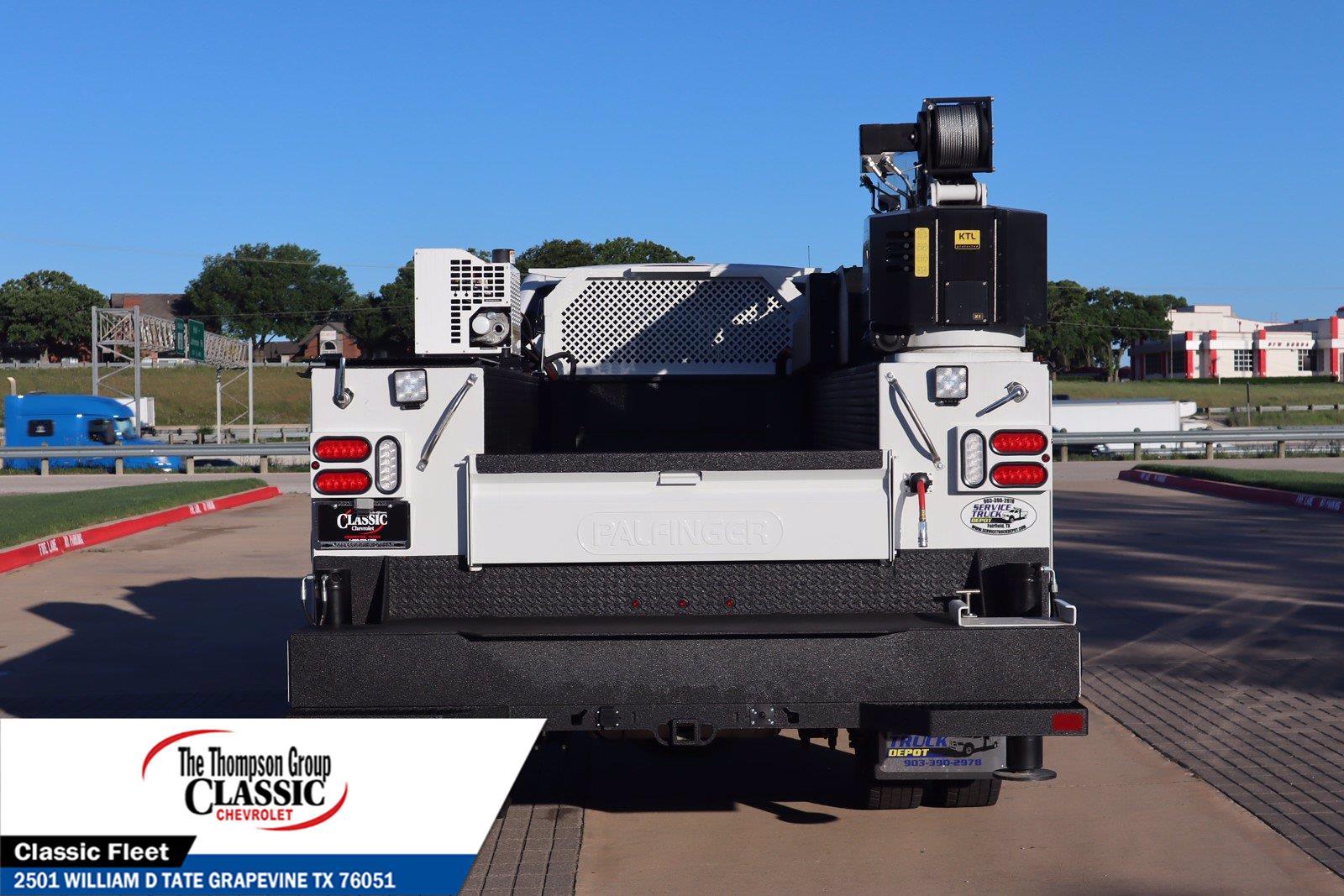 2021 Chevrolet Silverado 5500 Crew Cab DRW 4x4, Palfinger PAL Pro 39 Mechanics Body #MH671088 - photo 8