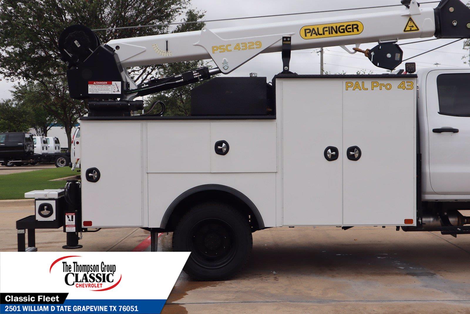 2021 Chevrolet Silverado 6500 Crew Cab DRW 4x4, Palfinger PAL Pro 43 Mechanics Body #MH843665 - photo 9