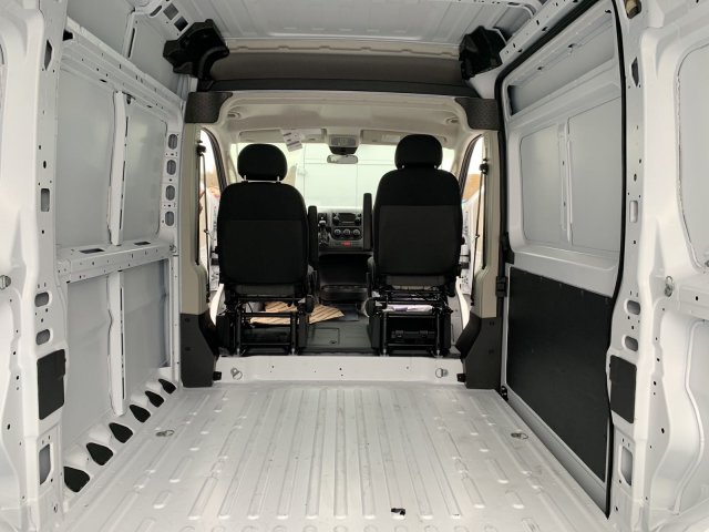 2018 ProMaster 2500 High Roof FWD,  Empty Cargo Van #D18-213 - photo 2