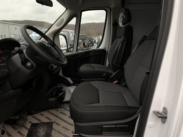 2018 ProMaster 2500 High Roof FWD,  Empty Cargo Van #D18-214 - photo 5