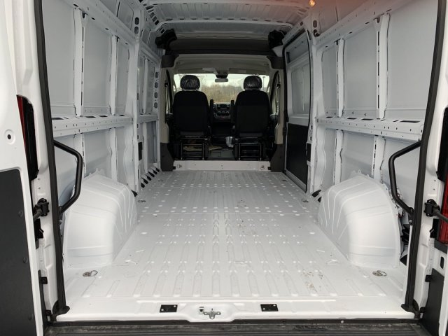 2018 ProMaster 2500 High Roof FWD,  Empty Cargo Van #D18-214 - photo 2
