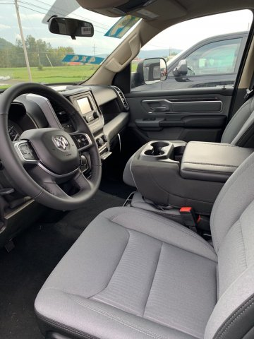 2019 Ram 1500 Crew Cab 4x4,  Pickup #D19-18 - photo 4